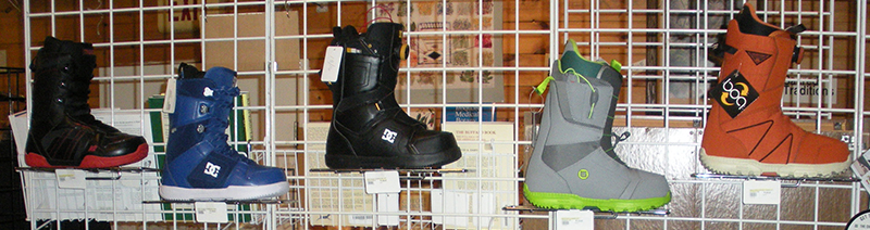 snowboards-boots